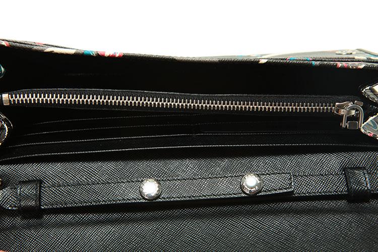 prada/普拉达黑色印花牛皮女士链条斜挎包1m1290