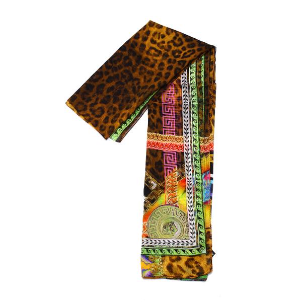 长方形真丝丝巾的系法图解